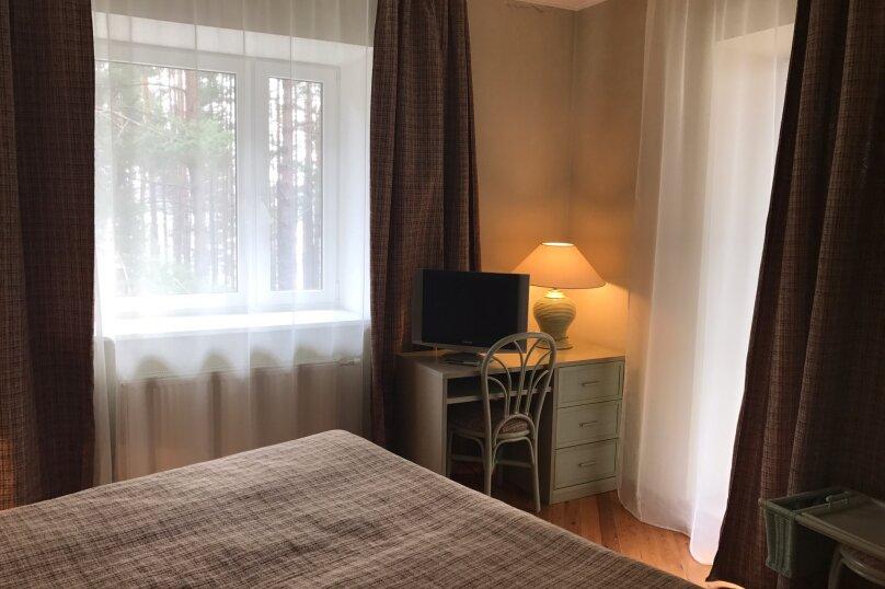 Двухместный люкс с балконом, 2 эт В4, С4, д. Бурцево, 18, Кимры - Фотография 11