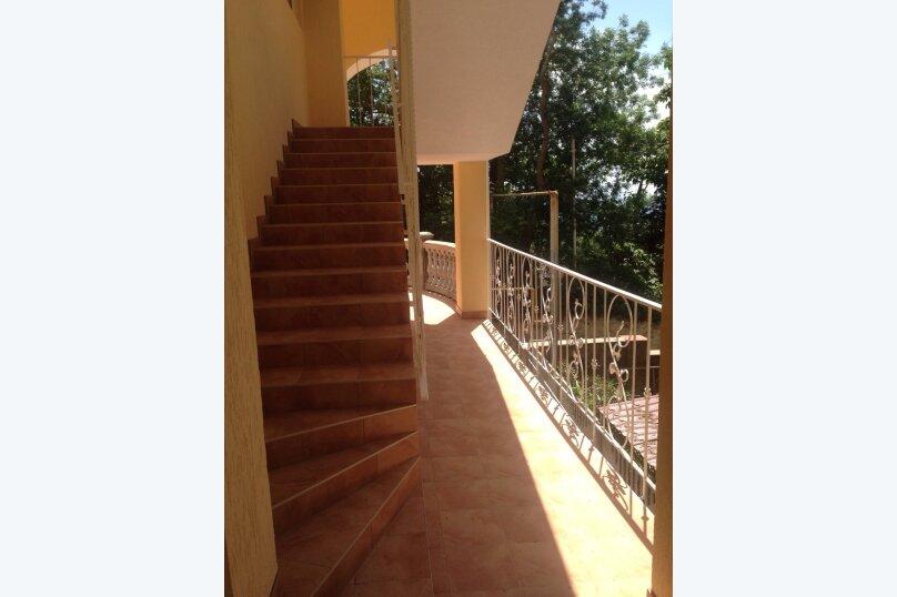 Верхний этаж дома с панорамным видом на море и отдельным входом, 133 кв.м. на 6 человек, 2 спальни, Севастопольское шоссе, 54 Е, Гаспра - Фотография 4