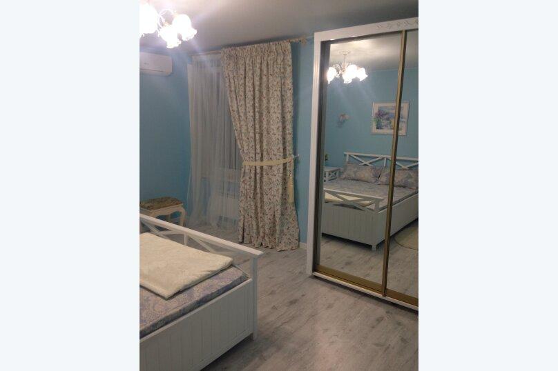 Первый этаж  3 этажного дома с отдельным входом, 60 кв.м. на 6 человек, 2 спальни, Севастопольское шоссе, 54Е, Гаспра - Фотография 15