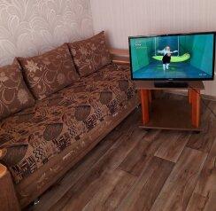 1-комн. квартира, 40 кв.м. на 4 человека, улица Богдана Хмельницкого, Омск - Фотография 1