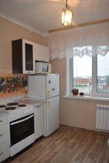 1-комн. квартира, 40 кв.м. на 4 человека, улица Богдана Хмельницкого, Омск - Фотография 4