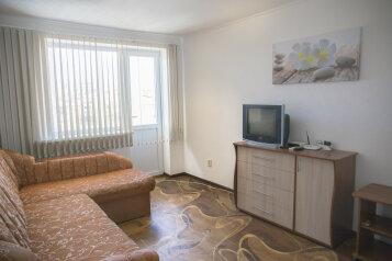 1-комн. квартира, 33 кв.м. на 3 человека, улица Гоголя, 29, Севастополь - Фотография 1