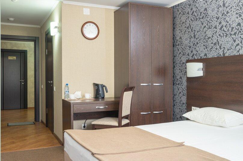 Стандарт двухместный с одной кроватью, улица 60 лет Октября, 94, Красноярск - Фотография 1