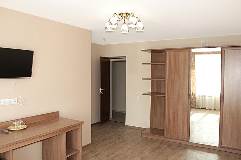 Люкс двукомнатный одноместный, улица Тухачевского, 6, Челябинск - Фотография 1
