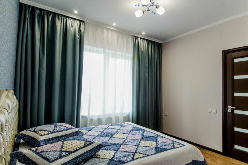 Люкс с 1 спальней (3-х местный), улица Чкалова, 10, Саки - Фотография 1