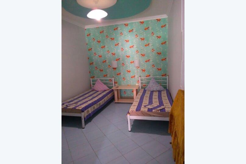 комната №2 (двухместная+доп.место), Земская улица, 5, Феодосия - Фотография 2