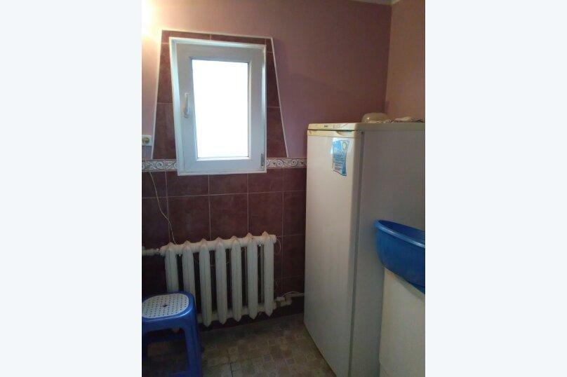 комната №4 (трёхместная+доп.место) на втором этаже с балконом., Земская улица, 5, Феодосия - Фотография 6