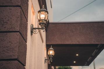 Отель, улица Новый Кавказ, 4 на 12 номеров - Фотография 2
