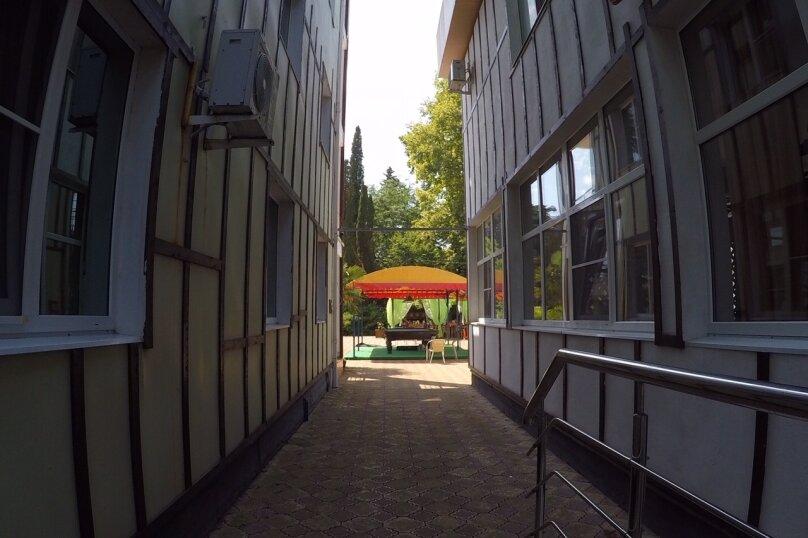 2-комн. квартира, Петрозаводская улица, 12, Сочи - Фотография 1