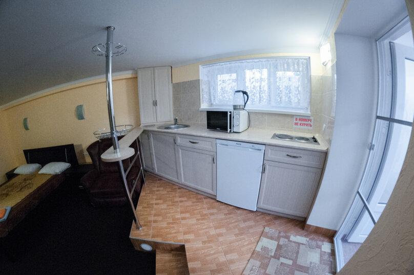 Апартаменты на Черноморской, Черноморская набережная, 1В на 11 номеров - Фотография 13
