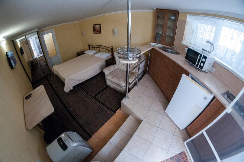 Апартаменты на Черноморской, Черноморская набережная, 1В на 11 номеров - Фотография 17