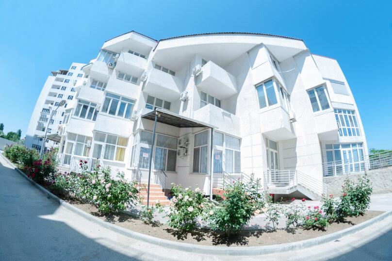 Апартаменты на Черноморской, Черноморская набережная, 1В на 11 номеров - Фотография 2