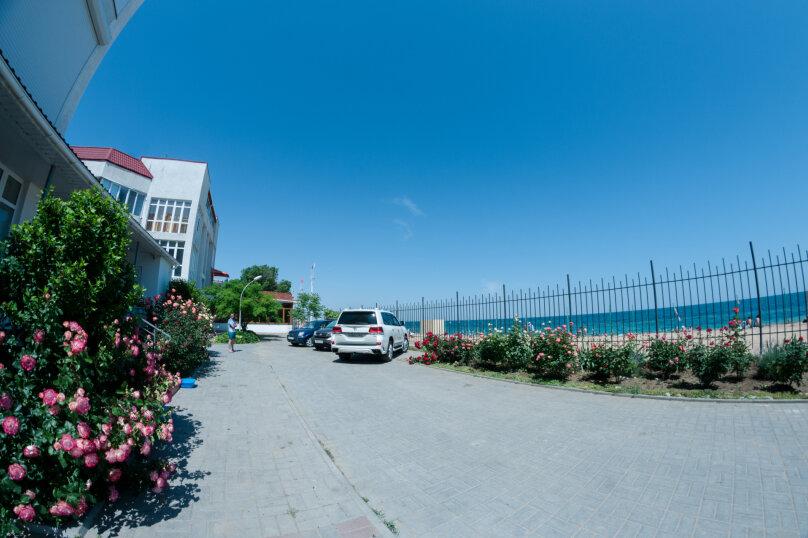 Апартаменты на Черноморской, Черноморская набережная, 1В на 11 номеров - Фотография 6
