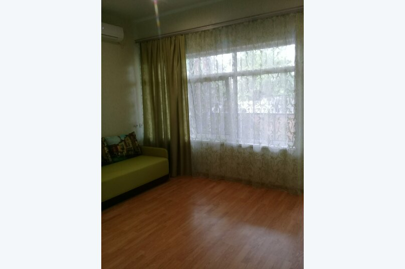 двухкомнатный(4) четырехместный номер, улица Коммунальников, 23, Феодосия - Фотография 1