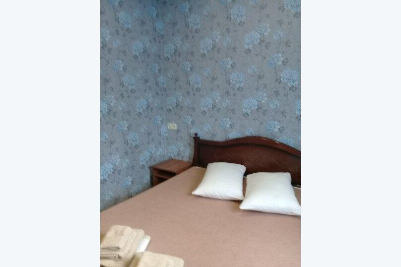 двухкомнатный(4) четырехместный номер, улица Коммунальников, 23, Феодосия - Фотография 7