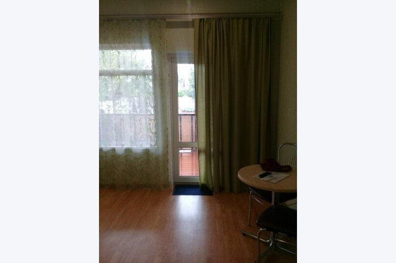 двухкомнатный(4) четырехместный номер, улица Коммунальников, 23, Феодосия - Фотография 11