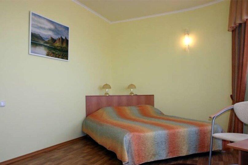 2х-комнатный семейный номер, Восточная улица, 11А, Витязево - Фотография 1