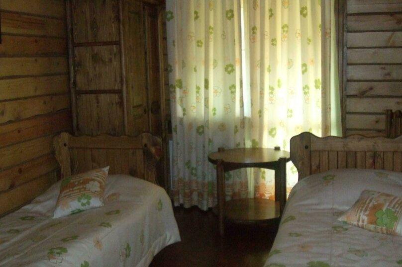 Двухместные покои с раздельными кроватями или с одной большой кроватью, д. Петриково, 6, Осташков - Фотография 1