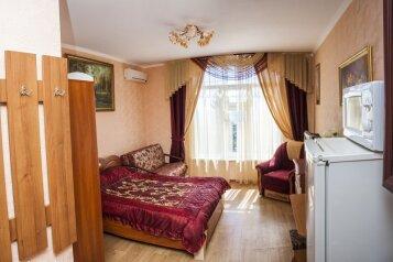 1-комн. квартира, 35 кв.м. на 5 человек, улица Розы Люксембург, Алупка - Фотография 2