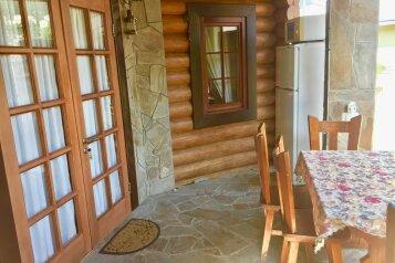 Коттедж 45 м² на участке 5 сот., 45 кв.м. на 5 человек, 2 спальни, Пироговская, 12, Ялта - Фотография 2