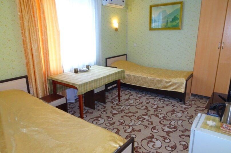 Двухместный номер с 2 отдельными кроватями и душем, 9-й переулок, 6, Пятигорск - Фотография 1