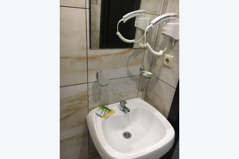 Номер полулюкс DARK #9 с оригинальным дизайном, двуспальной кроватью, диваном и собственной ванной комнатой, Красногорский бульвар, 24, Красногорск - Фотография 6