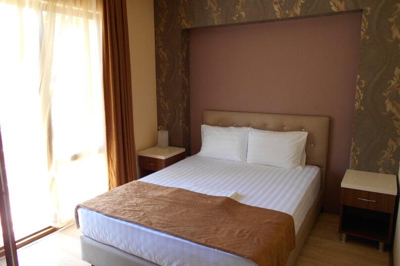 """Отель """"АМРИТА"""", проспект Аиааира, 14 на 17 номеров - Фотография 2"""