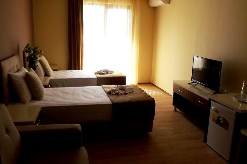 """Отель """"АМРИТА"""", проспект Аиааира, 14 на 17 номеров - Фотография 3"""