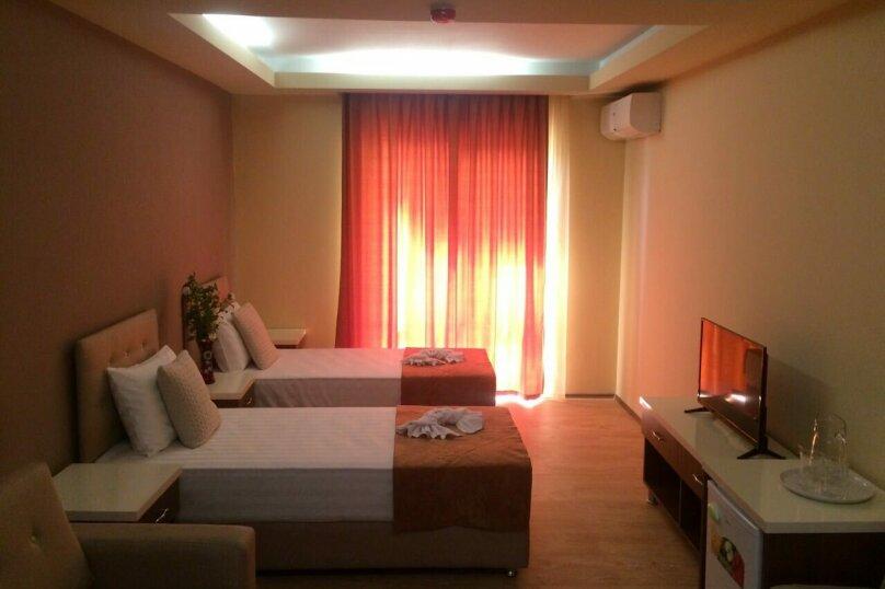 """Отель """"АМРИТА"""", проспект Аиааира, 14 на 17 номеров - Фотография 4"""