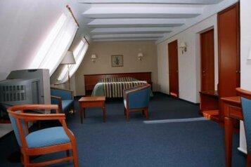 Отель, улица Луначарского, 240к12-1 на 10 номеров - Фотография 3