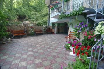 Гостевой дом , Октябрьская на 10 номеров - Фотография 2
