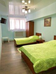Трехместный номер:  Номер, Стандарт, 3-местный, 1-комнатный, Отель, Севастопольский переулок,  3 на 7 номеров - Фотография 2