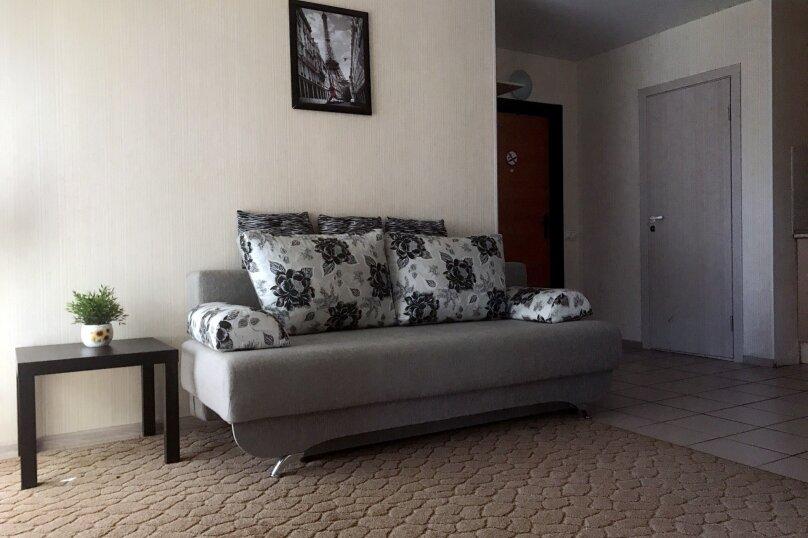 2-комнатный, 4-местный, улица Чкалова, 66, Барнаул - Фотография 1