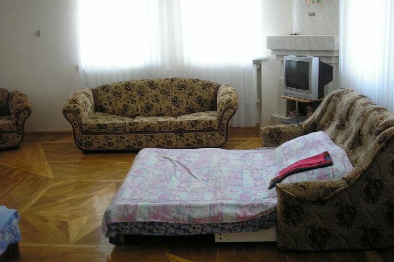 """Гостевой дом """"У Людмилы"""", Приморская, 1 на 5 комнат - Фотография 4"""