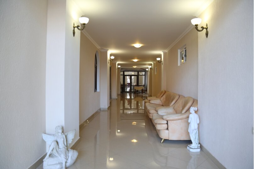 Гостевой дом «Невские звёзды», Шапсугская улица, 20 на 24 комнаты - Фотография 3