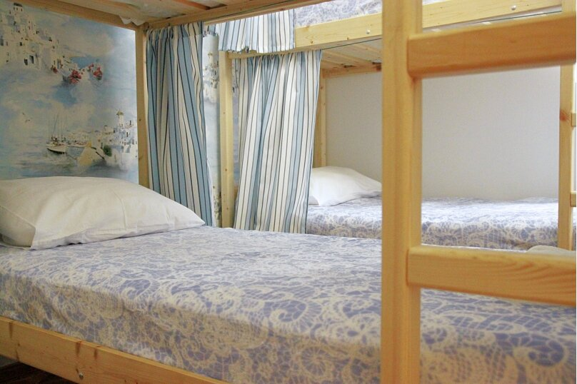 Кровать в общем номере на 8 человек, улица Ефремова, 28, Севастополь - Фотография 1
