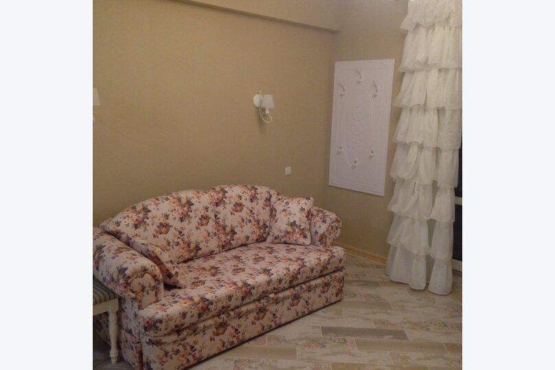 Первый этаж  3 этажного дома с отдельным входом, 60 кв.м. на 6 человек, 2 спальни, Севастопольское шоссе, 54Е, Гаспра - Фотография 21