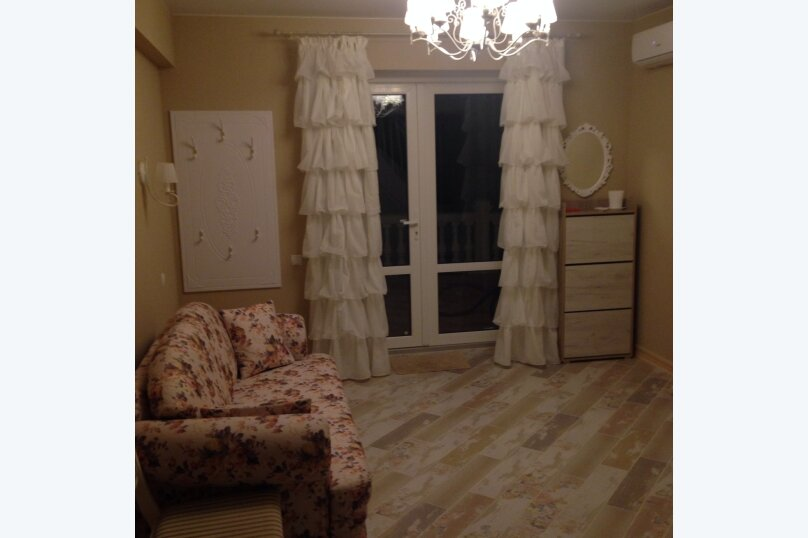 Первый этаж  3 этажного дома с отдельным входом, 60 кв.м. на 6 человек, 2 спальни, Севастопольское шоссе, 54Е, Гаспра - Фотография 22