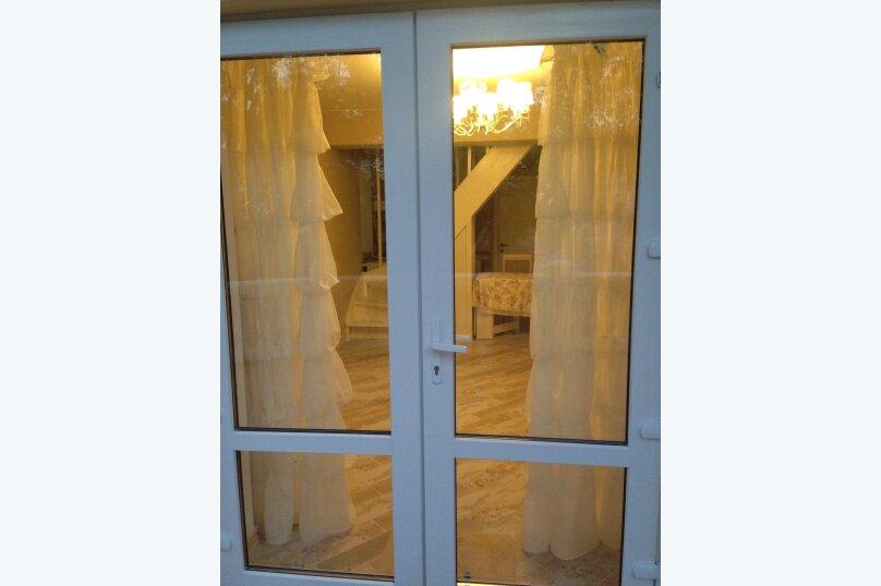 Первый этаж  3 этажного дома с отдельным входом, 60 кв.м. на 6 человек, 2 спальни, Севастопольское шоссе, 54Е, Гаспра - Фотография 23