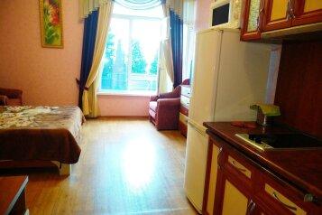 1-комн. квартира, 35 кв.м. на 4 человека, улица Розы Люксембург, Алупка - Фотография 2