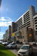 Отель, улица Лётчика Ульянина, 7 на 14 номеров - Фотография 1
