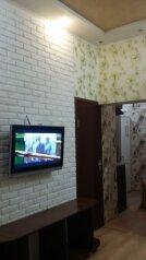 1-комн. квартира, 27 кв.м. на 2 человека, улица Карла Маркса, 6, Симферополь - Фотография 1