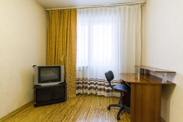 2-комн. квартира, 64 кв.м. на 7 человек, улица 78-й Добровольческой Бригады, Красноярск - Фотография 2