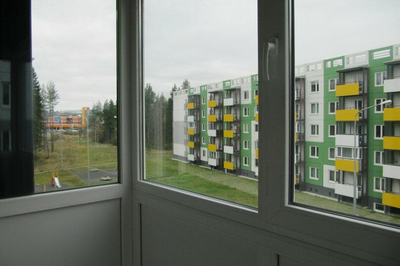 2-комн. квартира, 52 кв.м. на 4 человека, улица Софьи Ковалевской, 16Б, Петрозаводск - Фотография 1