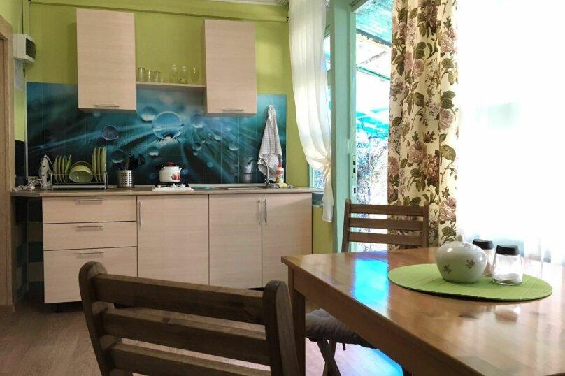 """Гостевой дом """"На Альфреда Вагула"""", улица Альфреда Вагула, 6А на 5 комнат - Фотография 23"""