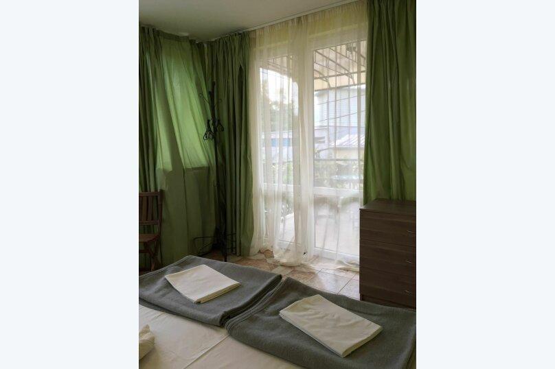 """Гостевой дом """"На Альфреда Вагула"""", улица Альфреда Вагула, 6А на 5 комнат - Фотография 30"""