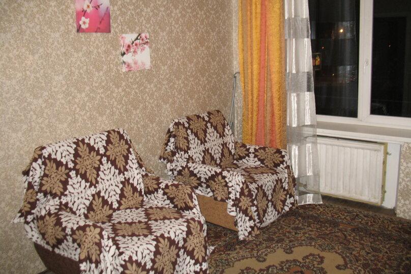 1-комн. квартира, 32 кв.м. на 4 человека, Новочеркасский проспект, 12к1, метро Новочеркасская, Санкт-Петербург - Фотография 3