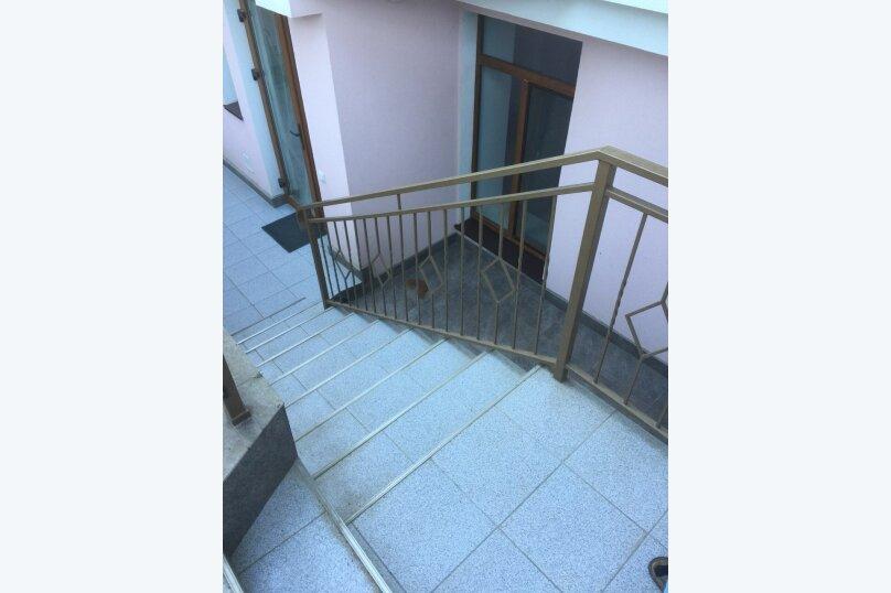 2-комн. квартира, 70 кв.м. на 3 человека, улица Ломоносова, 39-в, Ялта - Фотография 1