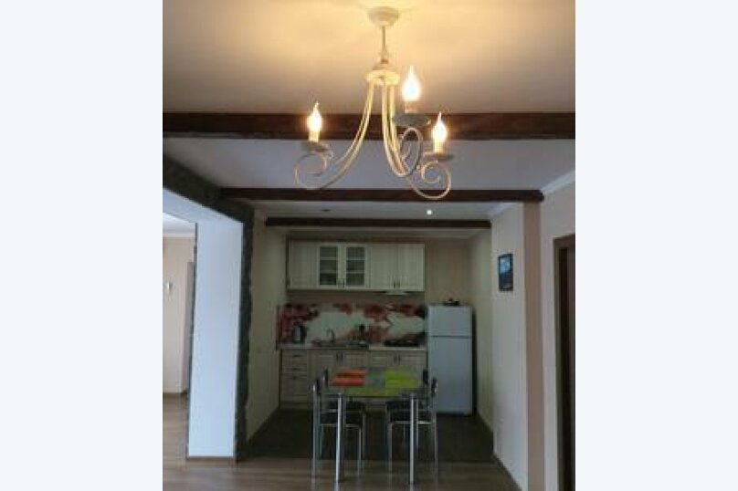 Дом под ключ на 6 человек, 2 спальни, улица Комарова, 2, Гагра - Фотография 1