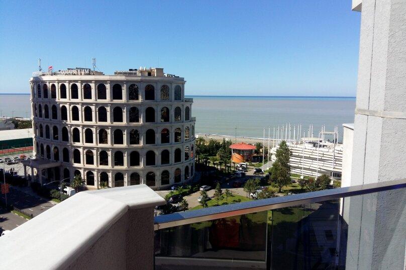 """Отель """"Rock Hotel First Line"""", улица Шерифа Химшиашвили, 15 на 16 номеров - Фотография 12"""